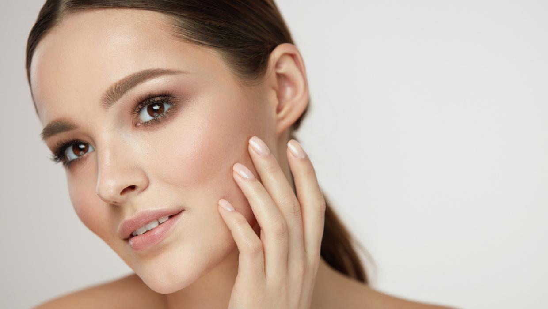 W jaki sposób skóra się chroni?